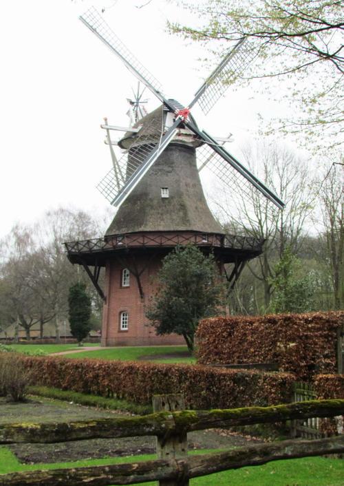 Robot Fenster Bad Zwischenahn : Die Windmühle im Kurpark von Bad Zwischenahn